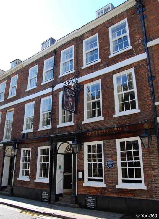 Hotel Opposite York Minster