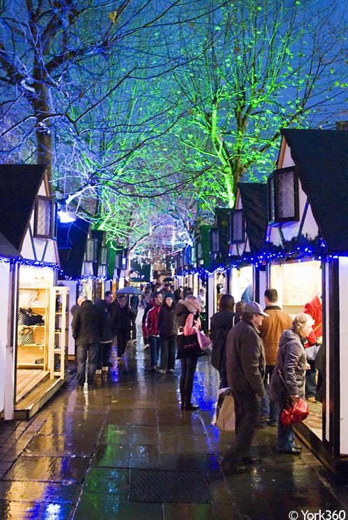 leeds christmas market food stalls